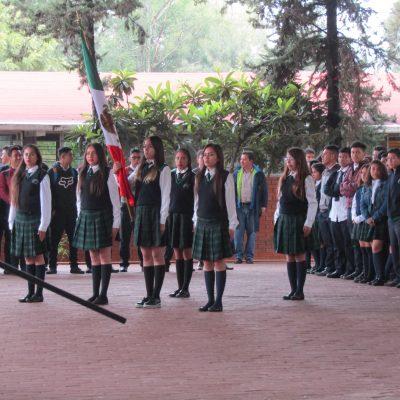4.- ALUMNOS uniforme (1)-min